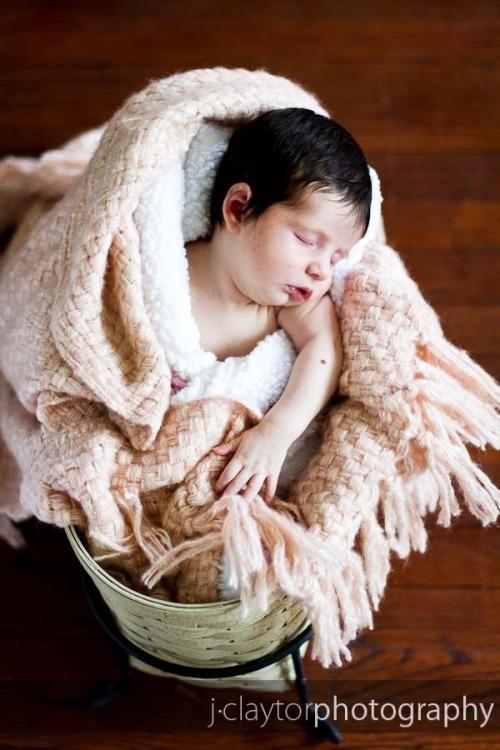 Avery_newborn-047-lowres